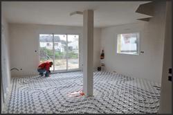 Plancher chauffant chauffage pompe chaleur haute normandie for Plancher chauffant en renovation